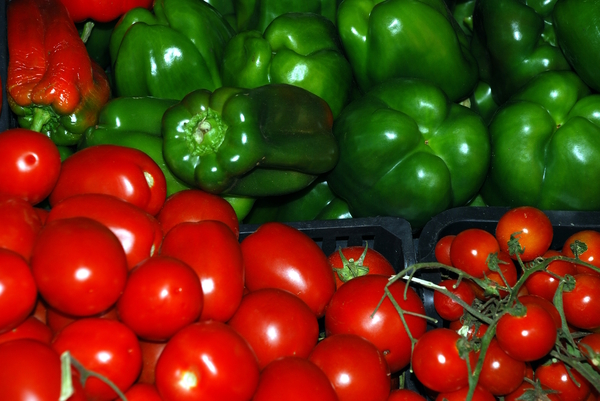 Peppers & tomatoes: Peppers and tomatoes in Bolhao Market, Porto city, Portugal