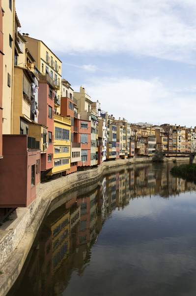 Urban riverside houses