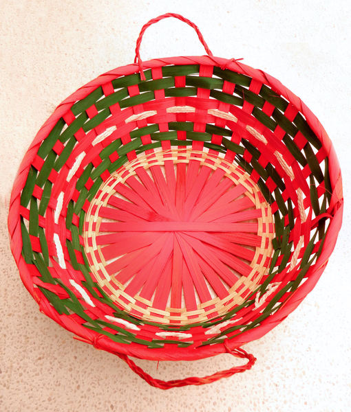 Christmas basket3: cane food basket in Christmas colors