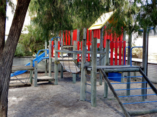 childrens play area2