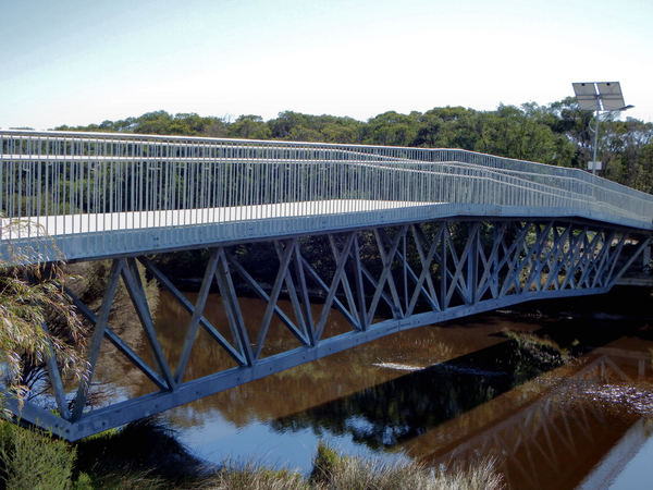 foot & cycle bridge2