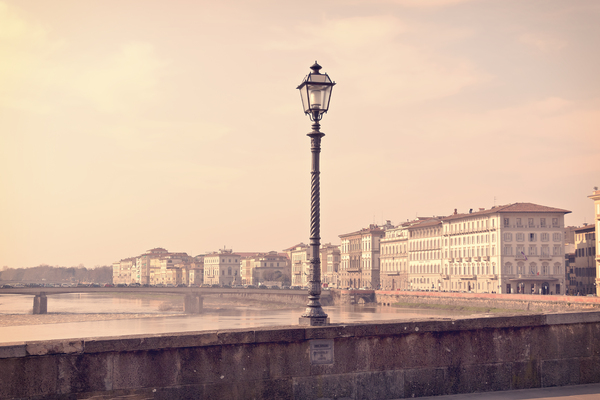 Florence bridge: Bridge lamp-post in Florence, Italy