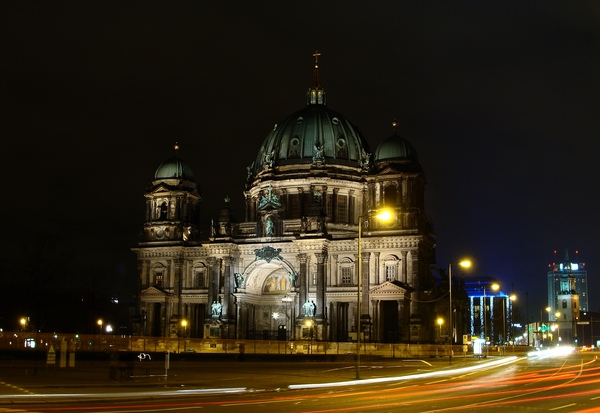 Berlin Cathedral at night 2: Berlin Cathedral (Berliner Dom) at night