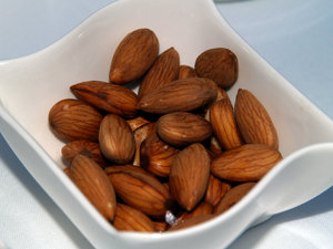 Almonds: Fresh almonds as served in Turkey as crunchies