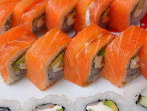 Sushi roll: Sushi rolls with salmon