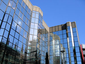 modern glass offices 3: modern glass offices architecture found in Glasgow, Scotland.