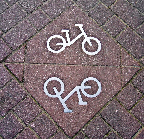 bike route sign: bike route sign