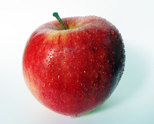 Apple serie 02: A (complete) very fresh and tastefull red apple ...