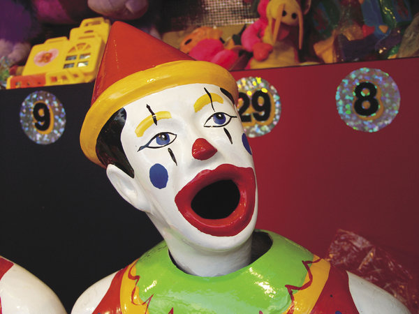 Clown: Clown at amusement park