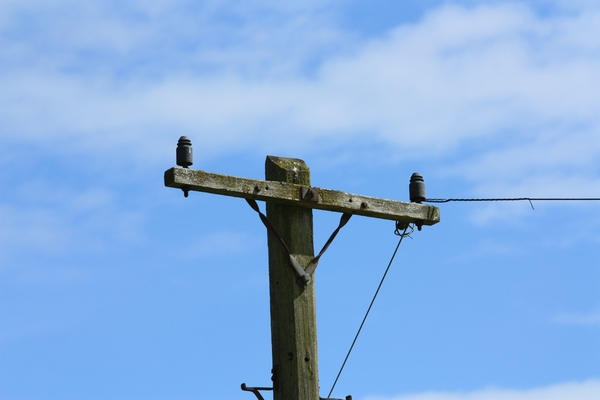Wooden electricity pole: Wooden electricity transmission pole