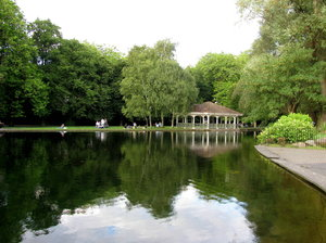 St. Stephen's Green, Dublin: Some shots of St. Stephen's Green, Dublin, Ireland. It was a beautiful and very popluar park.