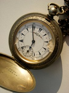 Time 2: Old pocket watch from other times.