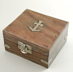 Nautical box: Little wooden box for sailor