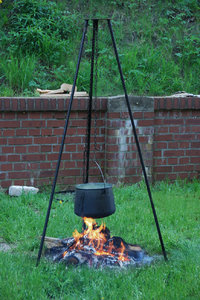 Kettle over the fire 3: Camp-fire with hanging over pot