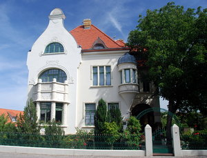 Art Nouveau house Blankenburg: Art Nouveau is an international movement and style of art and architecture. Peaked in popularity at the turn of the 20th century (1890�1905). Art nouveau is is also known as Jugendstil.