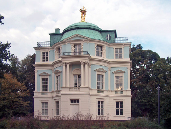 Belvedere in Charlottenburg ga: Little belvedere in Germany capitol - Berlin, pojected by Carl Gotthard Langhans