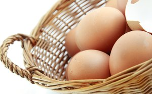 eggs in basket: eggs in basket