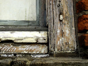 old house: details of an old house