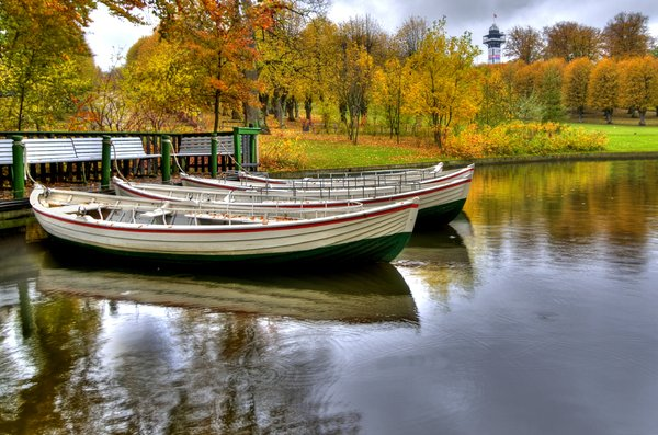 Autumn boats - HDR: