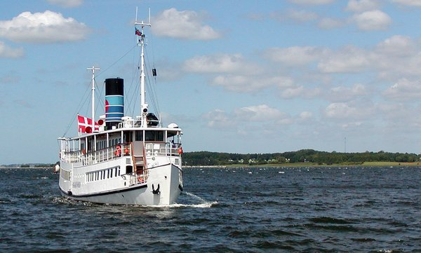 Oldtimer: 100 years old ferry