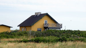 Yellow house: no description