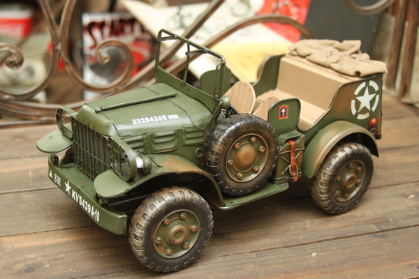 army car: Car miniature army jeep