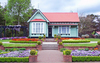 Cottage with planned garden: New Zealand cottage, in Rotorua