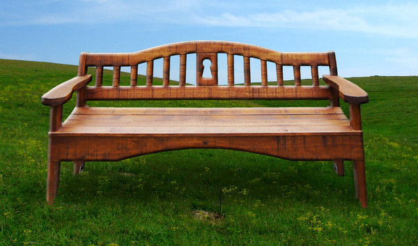 Lone Park bench: the park bench photo placed on photo by tty of a plain.  tty's photo number is #563732