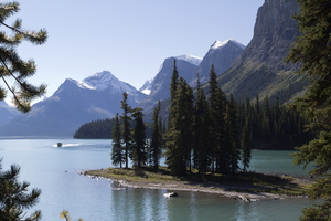 Mountain lake with island: Maligne Lake and Spirit Island in the Rocky Mountains, Canada.