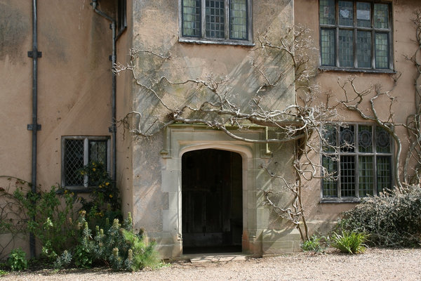 Tudor doorway: An old Tudor doorway into a stately house in England.