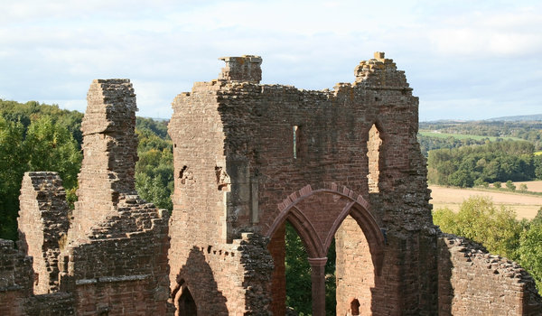 English castle 2: Ruins of a castle in western England.