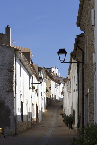 Spanish street: A whitwashed street in a village in Catalunya, Spain.