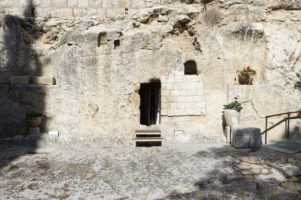 The Garden Tomb, Jerusalem: The Garden Tomb, close to Golgotha, Jerusalem, Israel. Probable site of the burial and resurrection of Jesus Christ. Photography at this site was freely permitted.