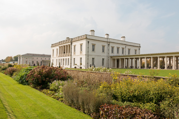 Queen's House: The Queen's House, Greenwich, London, UK, designed by Inigo Jones and completed in 1638. Photography in this area was freely permitted.