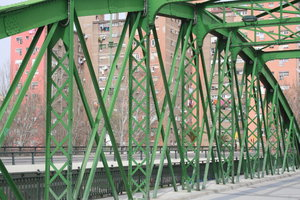 Green Iron Bridge: Green iron bridge in Zaragoza, this bridge is over the Ebro River.