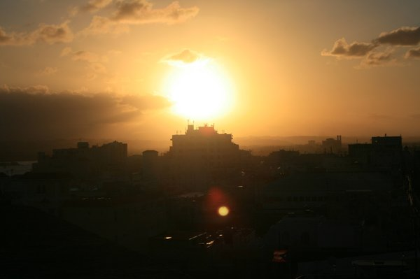 Sunset behind building: Sunset behind a building in Puerto Rico