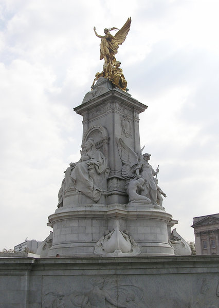 Victoria Memorial: Victoria Memorial beside Buckingham Palace.