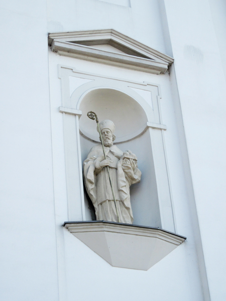 Statue: An old church figure from Tarczyn, Poland.
