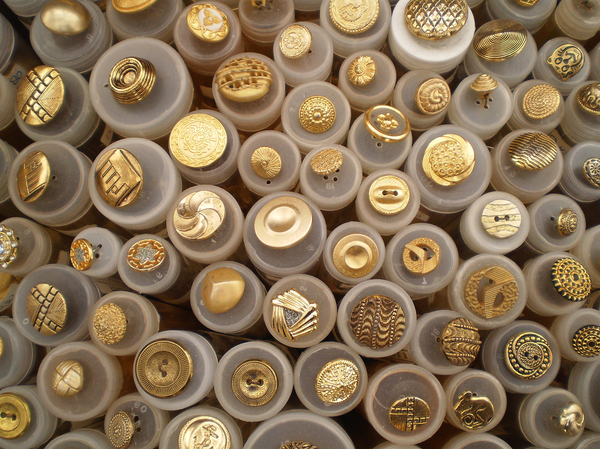 buttons gold: Buttons on a market