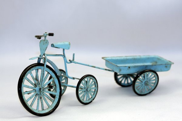 Charge tricycle miniature: Charge tricycle miniature