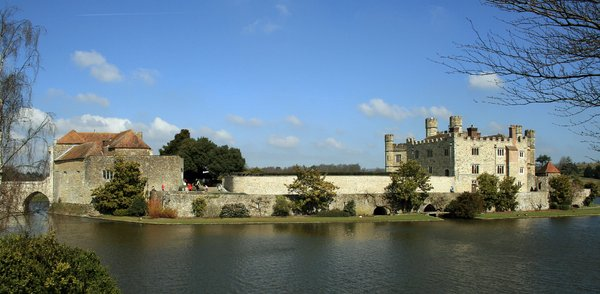 Leeds Castle, UK 1: Leeds Castle, set on two islands on the River Len in the heart of Kent, UK, has been home to royalty, lords and ladies for more than 900 years.