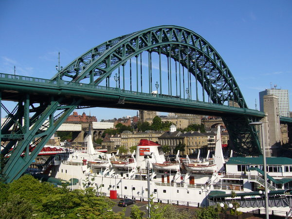 Tyne Bridge: The famous Tyne Bridge linking Newcastle and Gateshead