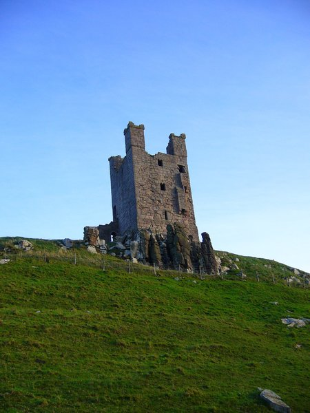 Dunstanburgh Castle 4: Located on the Northumberland coast, Dunstanburgh Castle was a Lancastrian stronghold during the Wars of the Roses (1455 - 1485). Heavy cannon damage left the castle in ruins, the condition in which it remains today. It's now owned by the National Trust a
