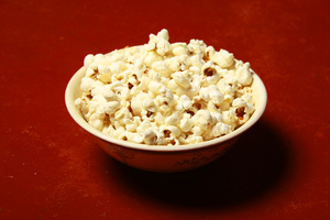 Popcorn: Red background In Popcorn