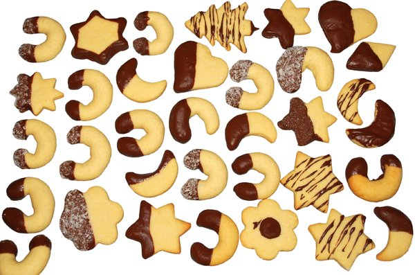 Cookies: Traditional Cookies with Chocolate.