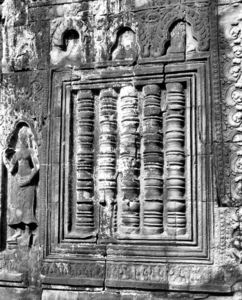 temple decorations12: artistic decorative carvings at Cambodia's Angkor Wat temple complex