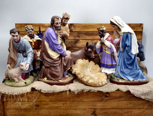 pre-Christmas eve nativity: pre-Christmas eve nativity setting waiting for Christmas eve to place baby in crib/manger