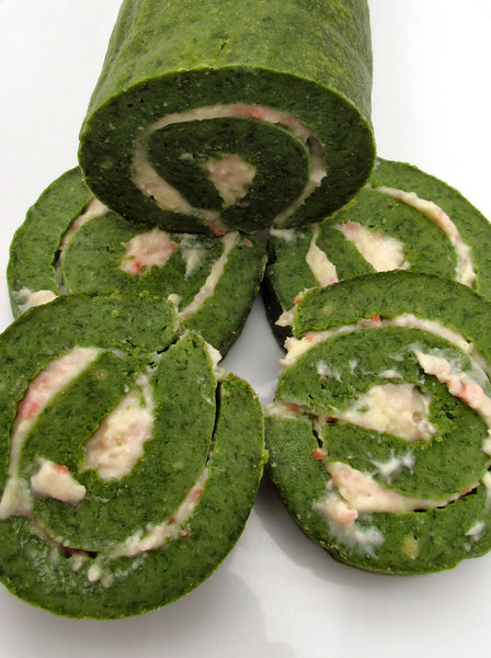 roulade of spinach3: home-made rolled spinach bread log with cheese and bacon filling