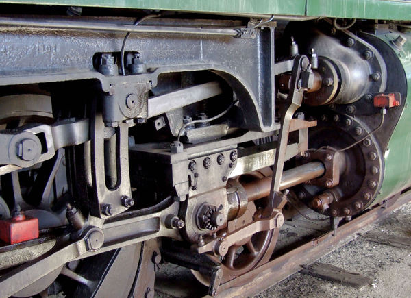 historic power wheels5: large and powerful historic steam locomotive wheels