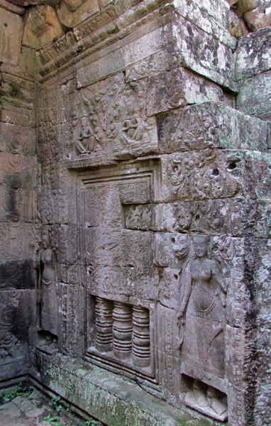 temple dancers14: artistic carvings of temple dancers at Cambodia's Angkor Wat temple complex